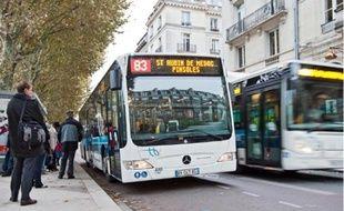Les habitants de la CUB utilisent davantage le bus, mais ne sont pas toujours satisfaits du service.