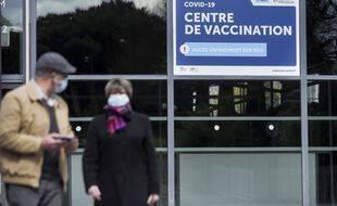 Le directeur de l'OMS en Europe s'est montré plus pessimiste vendredi 10 septembre 2021 sur la capacité d'un taux élevé de vaccination à stopper à lui seul la pandémie de Covid-19