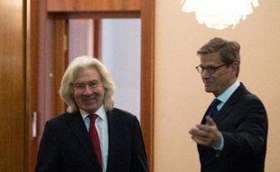 L'ambassadeur de Turquie à Berlin a été convoqué après de vives critiques d'Ankara à l'encontre d'Angela Merkel dans les délicates négociations d'adhésion de la Turquie à l'UE, a annoncé vendredi le ministère allemand des Affaires étrangères.