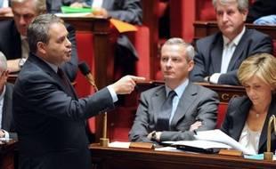 Le ministre de la Santé, Xavier Bertrand, a laissé entrevoir jeudi qu'un compromis pourrait intervenir entre le gouvernement et les députés sur la baisse prévue des indemnités journalières de maladie, qui est vivement contestée.