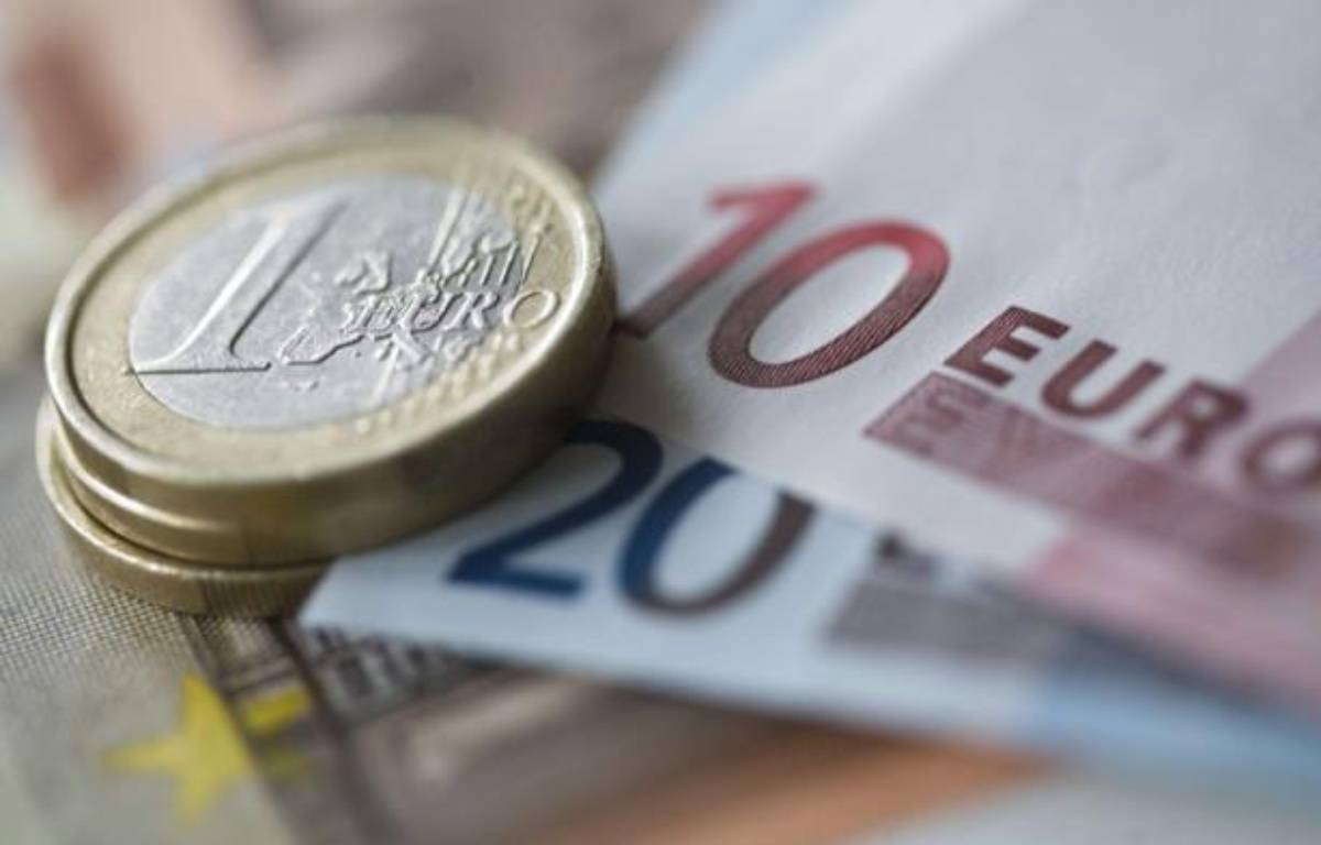 Des pièces et des billets en euros. – REX FEATURES/REX/AP/SIPA