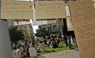 Des Indignés se sont rassemblés Place Général De Gaulle, à Marseille, le 15 Octobre 2011.