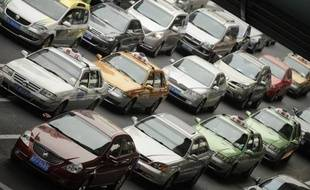 La construction d'un parc industriel destiné aux équipementiers de l'industrie automobile a été lancée lundi à Pékin avec une première série de 19 projets d'un coût global de 4,9 milliards de yuans (592 millions d'euros), a rapporté l'agence Chine nouvelle.
