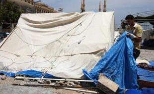 Après le discours du Premier ministre qatari, prononcé lors d'une cérémonie réunissant l'ensemble des dirigeants des deux camps qui ont négociaient à Doha depuis vendredi soir, M. Berri a annoncé que le campement installé depuis fin 2006 dans le centre de Beyrouth par l'opposition serait levé le jour même.