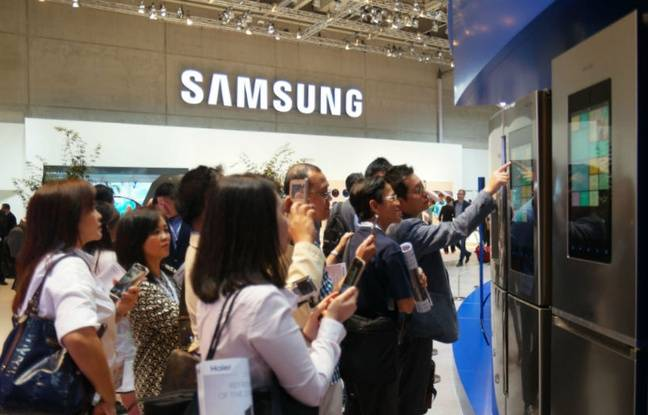 Le régrigérateur à écran Family Hub de Samsung est attendu pour début 2017.