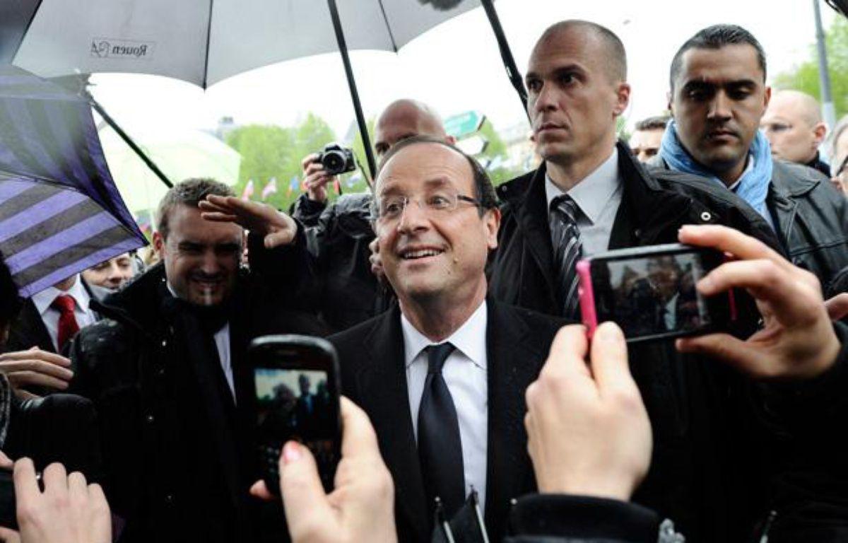 François Hollande en déplacement à Bourges (Cher), le 27 avril 2012. – FRED DUFOUR / AFP