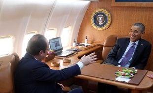 François Hollande et Barack Obama à bord d'Air Force One, le 10 février 2014.