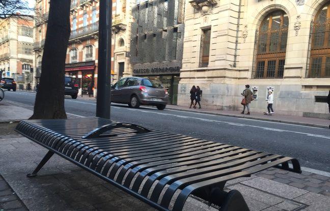 Toulouse: Ils dressent une cartographie du mobilier «anti-SDF» pour mieux le dénoncer