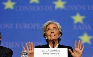 La ministre française de l'Economie Christine Lagarde doit annoncer de nouvelles aides pour les PME rencontrant des difficultés de financement, alors que la crise financière bat son plein et pourrait conduire à l'annonce officielle du rapprochement entre la Caisse d'Epargne et la Banque populaire.