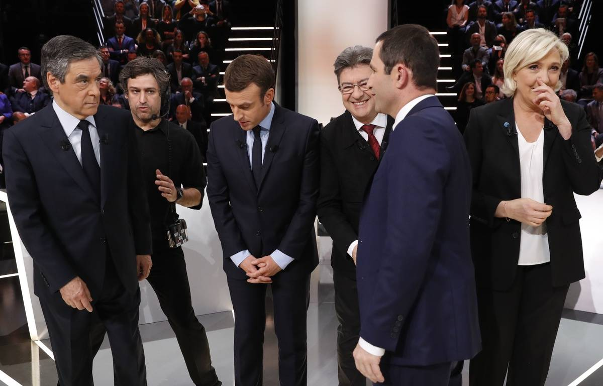 Sur le plateau du débat pour la présidentielle diffusé le 21 mars 2017. – Patrick KOVARIK / AFP