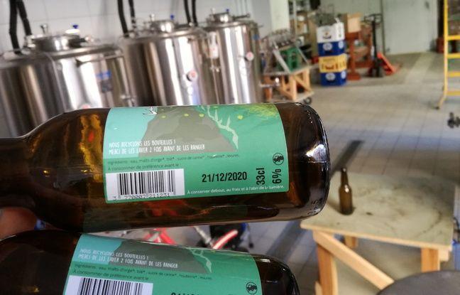 Les bières de la brasserie La Narcose comportent une petite phrase sur leur étiquette pour encourager ses clients à ramener leurs bouteilles pour les réutiliser.