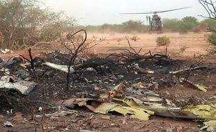 Une partie de l'épave du crash du vol d'Air Algérie survenu au Mali le 24 juillet 2014.