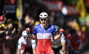 Arnaud Démare s'impose pour la première fois sur le Tour 2017 au sprint.