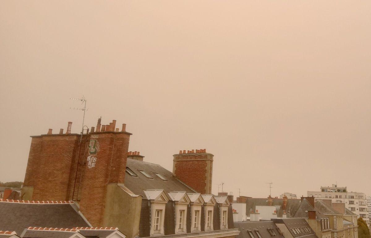 Le ciel de Rennes, photographié le 16 octobre 2017 lors du passage de la tempête Ophelia.  – C.Allain / 20 Minutes