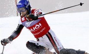 Jean-Baptiste Grange, nouvelle coqueluche du ski français qui achève samedi à Bormio son ascension du toit du monde, a toutes les cartes en mains pour empêcher l'Italien Manfred Mölgg d'arriver en haut avant lui et le priver d'un globe de slalom tant attendu.