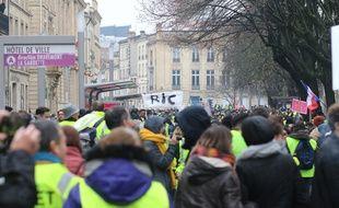 """L'acte 5 des """"gilets jaunes"""" a mobilisé au moins 4500 personnes samedi à Bordeaux"""