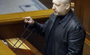 Olexandre Tourtchinov le 22 février 2014 devant le Parlement à Kiev
