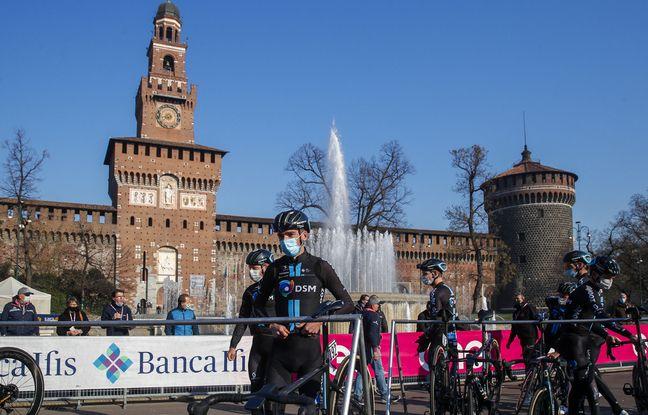 Romain Bardet au départ de Milan-San Remo, le 20 mars 2021.