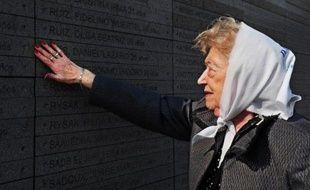 Rescapée d'Auschwitz, Sara Rus, juive de Pologne, a émigré vers l'Argentine en quête de paix, mais la dictature militaire lui a enlevé son fils: à 86 ans, elle milite toujours avec ferveur avec les Mères de la place de mai.