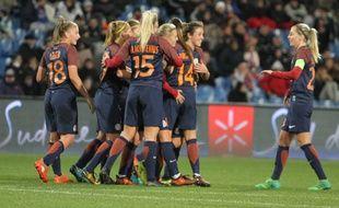 Les Montpelliéraines seront opposées à Chelsea en quart de finale de la Ligue des champions. En huitième de finale, elles n'ont fait qu'une bouchée des Italiennes de Brescia (3-2, 6-0).