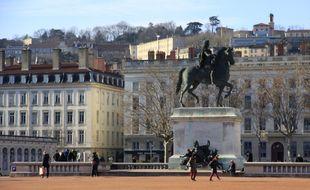 Le jeune homme explique avoir été victime d'un agression homophobe survenue en pleine après-midi dans le centre de Lyon.
