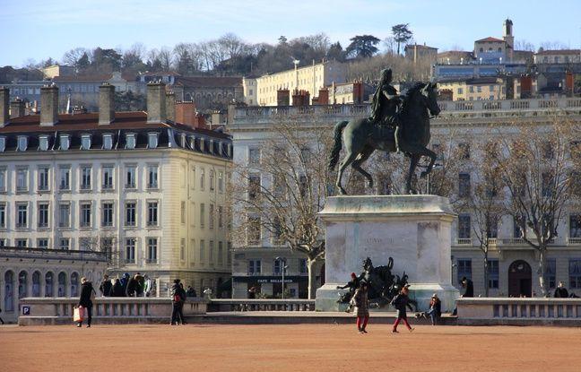 Lyon : Une enquête ouverte après le passage à tabac d'un adolescent ayant voulu défendre des filles à un arrêt de bus