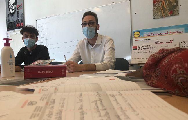 Tous les mois désormais, un avocat volontaire se rend dans les locaux des Restos du cœur de Toulouse, pour venir en aide aux bénéficiaires.