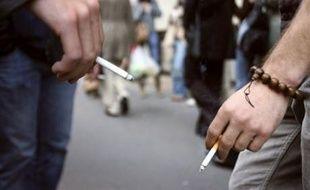 L'Etat n'a pas demandé aux fabricants de tabac d'augmenter les prix des cigarettes, a assuré le ministère du Budget dans un communiqué vendredi, réagissant à un article du Parisien/Aujourd'hui en France évoquant une hausse de 10% dès janvier.