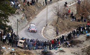 Le Français Sébastien Loeb (Citroën DS3) a remporté le 80e Rallye Monte-Carlo, 1re manche du Championnat du monde (WRC), dimanche à Monaco, devant l'Espagnol Dani Sordo (Mini) et le Norvégien Petter Solberg (Ford Fiesta RS).