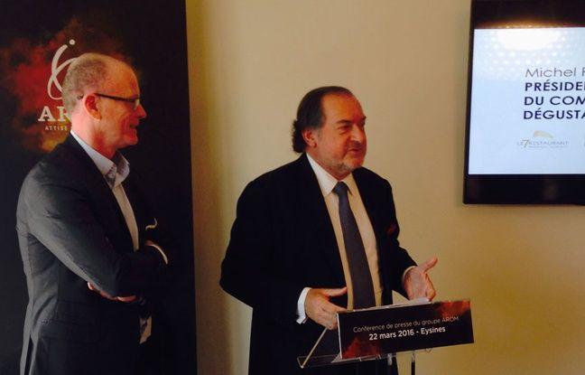 Didier Oudin, président d'Arom (à gauche) et Michel Rolland, président du comité de dégustation de la Cité du vin de Bordeaux