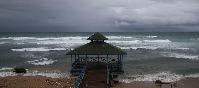 Isaias a déjà fait un mort et provoqué des crues de rivières en République dominicaine