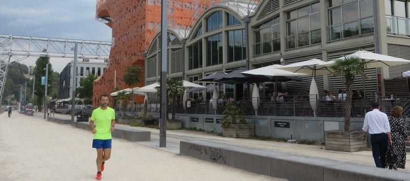 Les Docks de la Confluence à Lyon sont devenus un symbole de l'architecture novatrice.