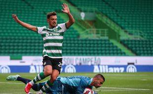 Pour sa première apparition de l'été avec l'OL, Anthony Lopes a été extrêmement sollicité dimanche face au Sporting (3-2). CARLOS COSTA