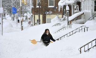 Une vague de froid accompagnée de tempêtes de neige frappe le nord-est des Etats-Unis, ici en Pennsylvanie, le 26 décembre 2017.