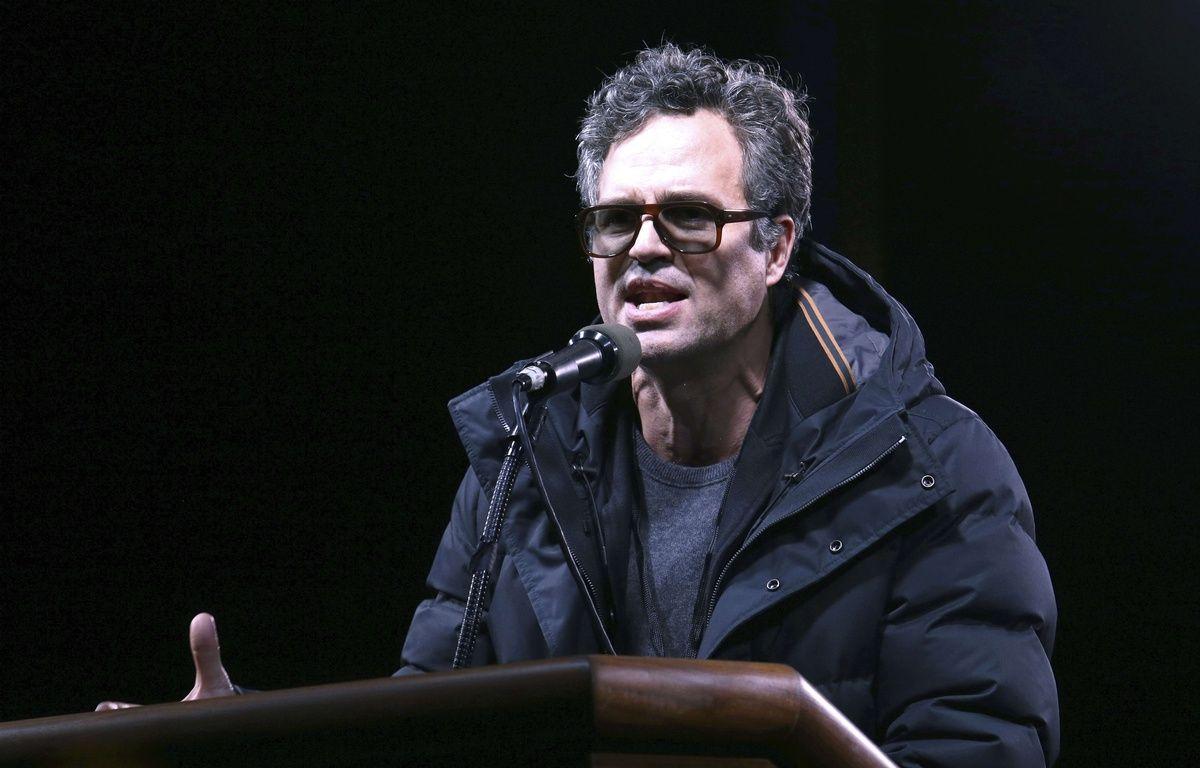 Mark Ruffalo , comédien américain a participé à des manifestations contre Donald Trump. Mercredi 19 avril, il a appelé avec d'autres artistes les Français à voter Jean-Luc Mélenchon. – Greg Allen/AP/SIPA