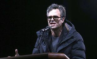 Mark Ruffalo , comédien américain a participé à des manifestations contre Donald Trump. Mercredi 19 avril, il a appelé avec d'autres artistes les Français à voter Jean-Luc Mélenchon.