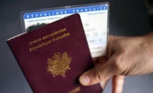 La filière d'immigration clandestine permettait à des Comoriens d'obtenir un passeport ou une carte d'identité française. Illustration.