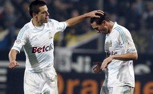 Les joueurs de l'OM, Cesar Azpilicueta (à g.) et Morgan Amalfitano, lors d'un match de L1 contre le PSG le 27 novembre 2011.