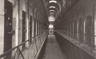Une des galeries de la prison cellulaire de Mazas.