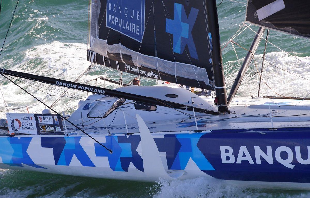 Armel Le Cléac'h est toujours en tête de la course – Damien MEYER / AFP