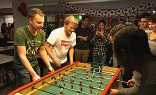 Le site JPP Baby organise régulièrement des tournois, comme ici au bar Le Delta à Rennes.
