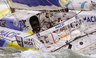 François Gabart à bord de Macif, le 10 novembre 2012.