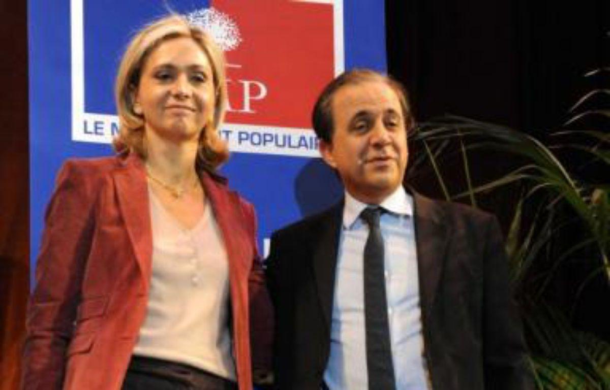 Roger Karoutchi et Valérie Pécresse, lors du premier débat contradictoire des primaires UMP pour le élections régionales, début 2009. – WITT/Sipa