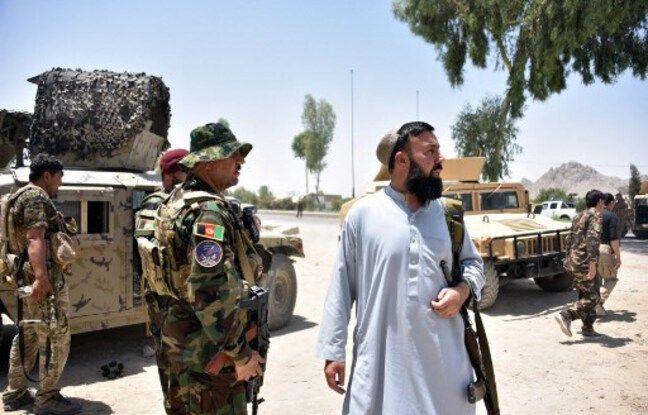 648x415 personnel securite afghan monte garde long route milieu combats cours entre forces securite afghanes combattants talibans kandahar 9 juillet 2021