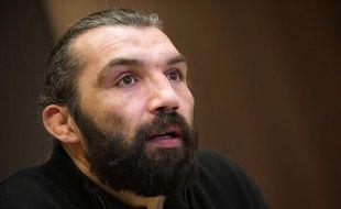 Sébastien Chabal en conférence de presse, le 3 février 2012, à Paris.