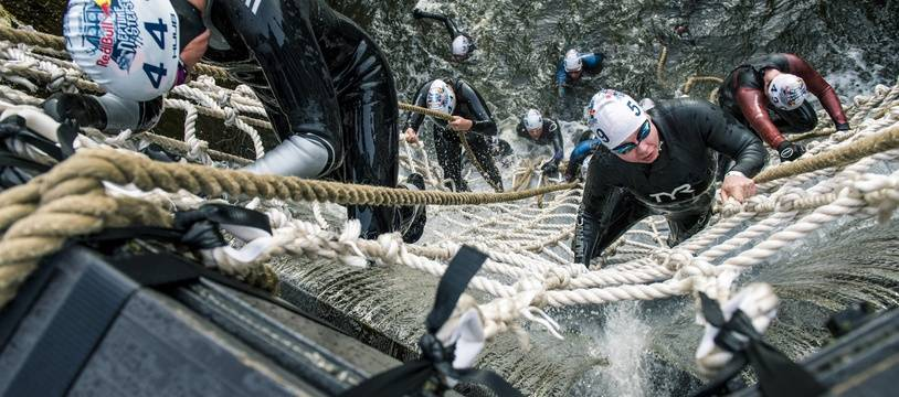Les participants devront nager à contre-courant et franchir cinq obstacles, dont trois écluses.