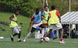 Des jeunes Franciliens lors du tournoi de foot Datpower disputé à Colombes le 14 avril 2009.