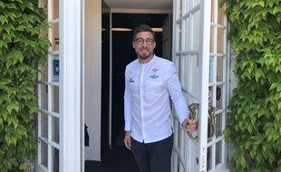 Le chef étoilé Mathieu Pérou, au Manoir de la Régate à Nantes