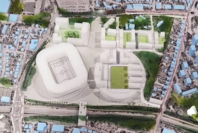 A gauche l'emplacement prévisionnel du futur stade, à droite le terrain de foot conservé et entouré d'immeubles.