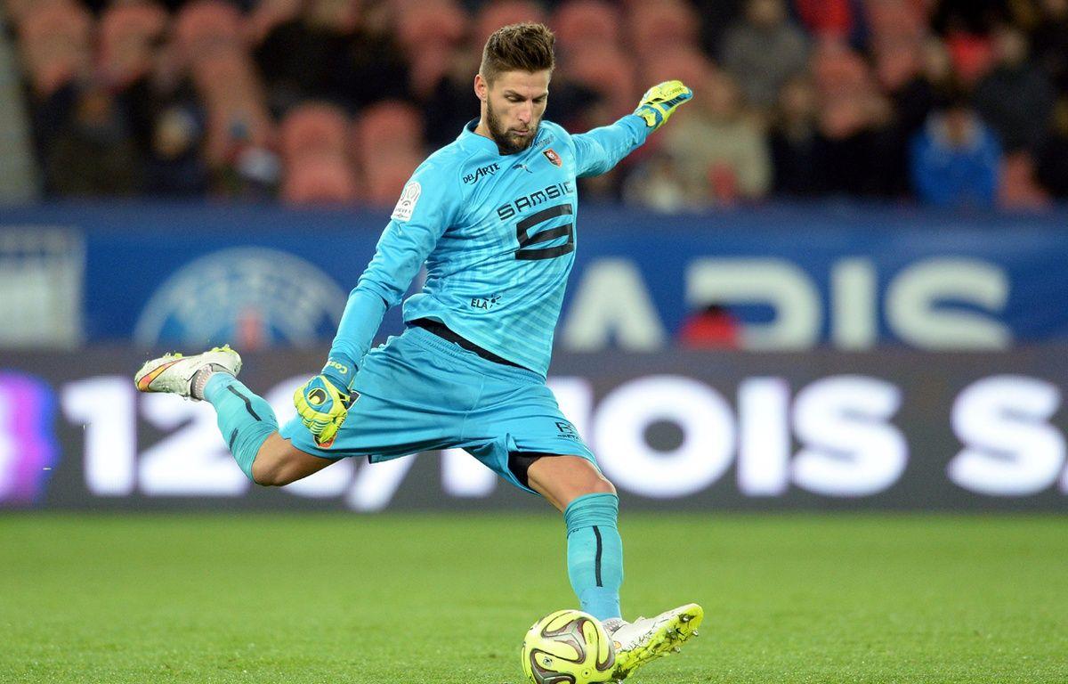 Benoît Costil a été élu meilleur joueur de la saison 2014-2015 du Stade Rennais, par les internautes de ROUGE Mémoire. – G. Jeffroy / Sipa